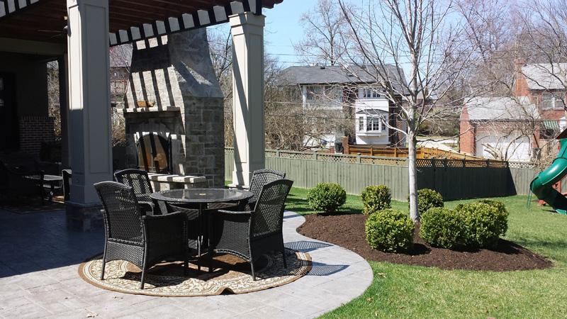 mulch-installation16